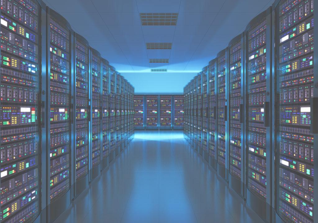 Bild eines Serverraums der die Gebäudeautomation beinhaltet